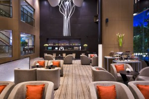 Metro Lounge with bar and finger food at the lobby