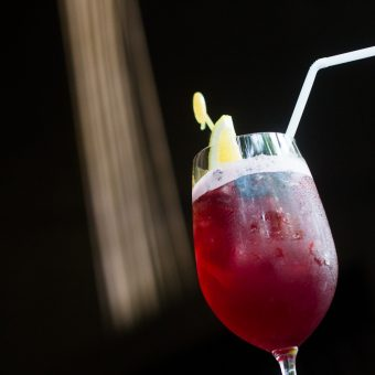 chilled-red-wine-spritzer
