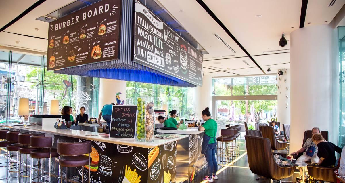 Urbane Lounge - Pullman Saigon Centre