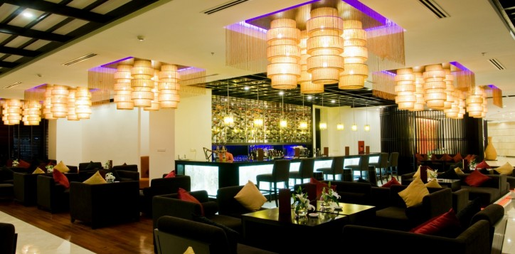 home-section-background-lobby-bar