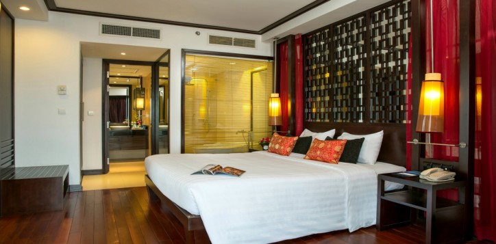room_suite-section-rooms-executive-bay-view-room