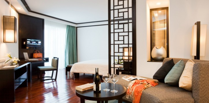 rooms_suites-section-rooms-executive-hill-view