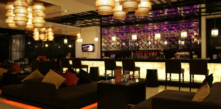 bars-outlet-section-1st-outlet-detail-lobby-lounge-bar-3