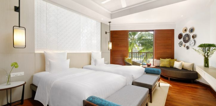 superiortwin-bed-room-gardern-view-at-pullman-danang-beach-resort-viet-nam