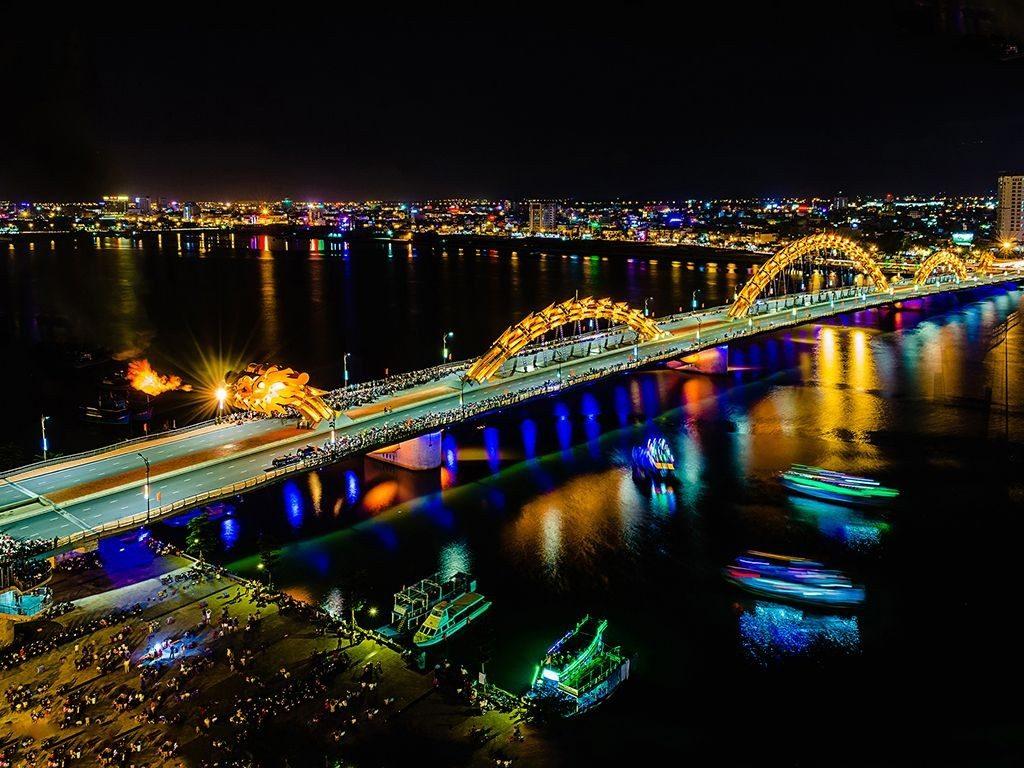 Dragon-Bridge-famous-bridge-in-danang