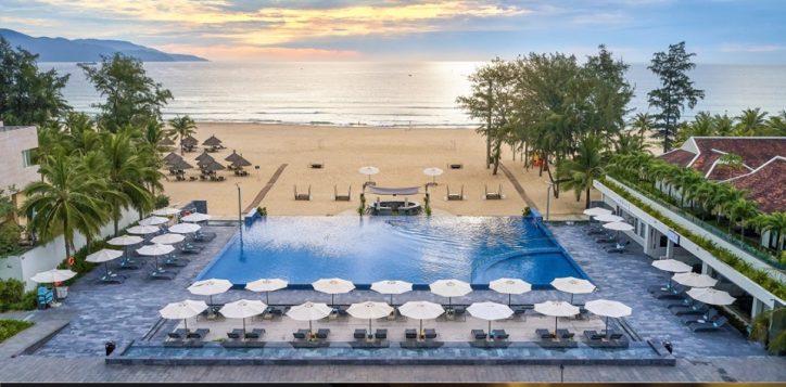 pullman-danang-beach-resort-wins-three-prestigious-titles-at-2019-haute-grandeur-global-hotel-awards-2
