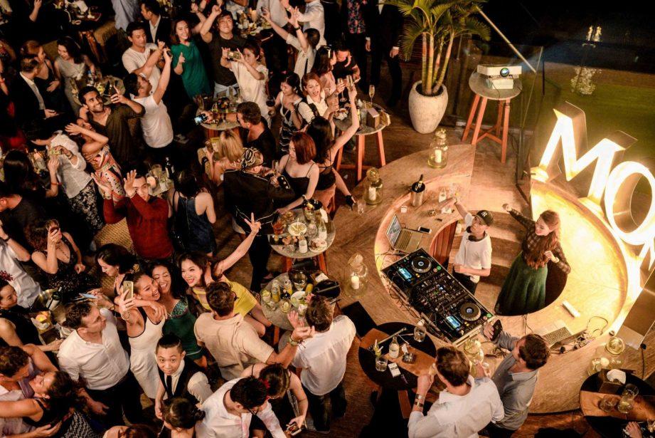 social-club-rooftop-bar