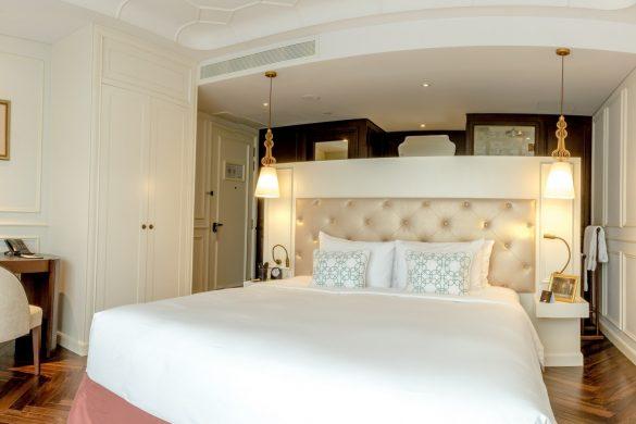 sky-grand-deluxe-room