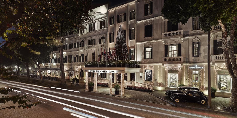 Metropole Hanoi Lights Up The Festive Season With A Pedal-Powered Christmas Tree - Sofitel Legend Metropole Hanoi