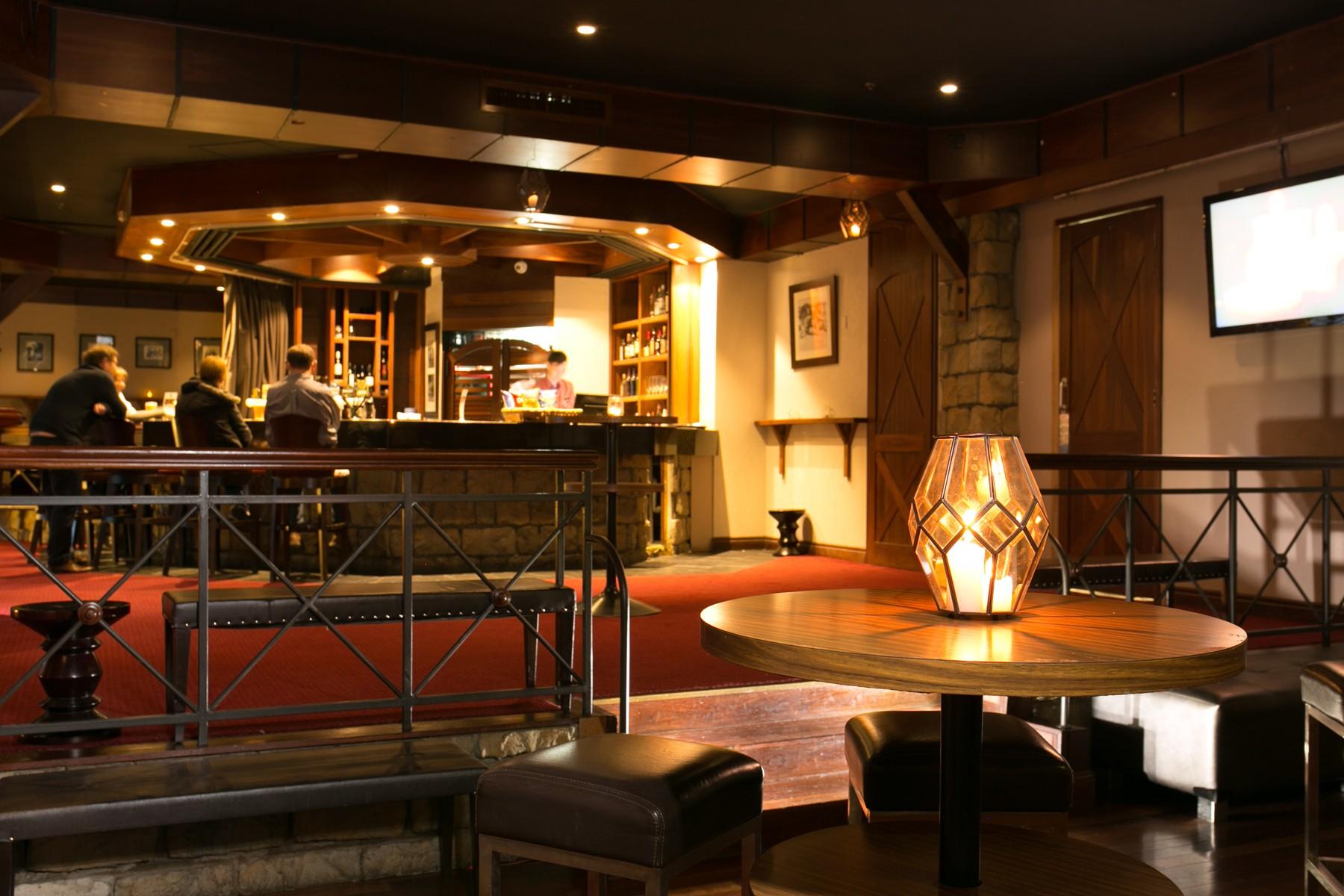 The-Tavern-Bar-2.jpg