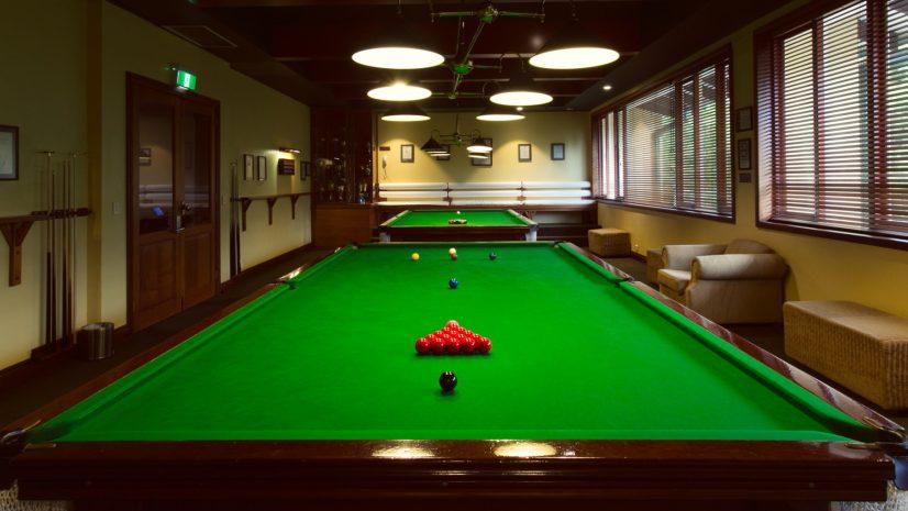 billiards-room