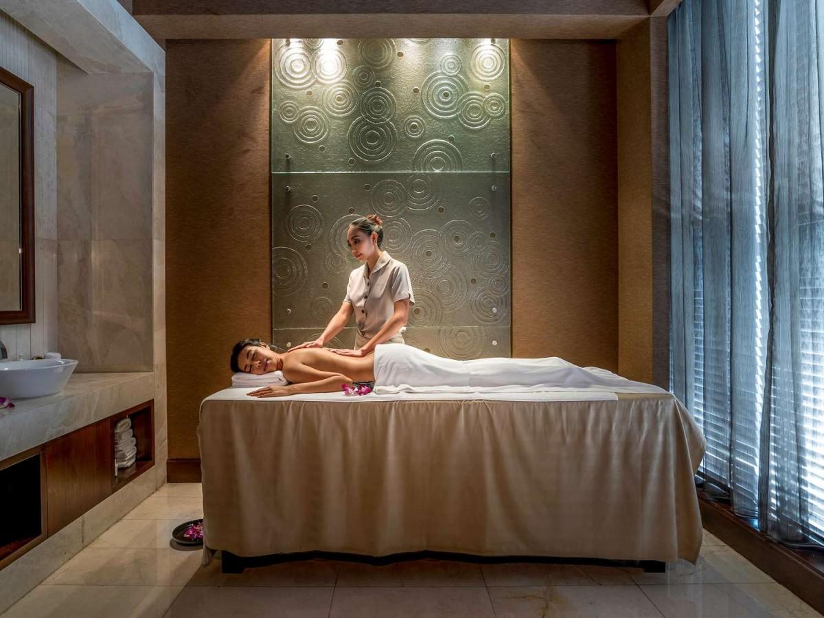 bangkok hotel spa massage room pullman bangkok grande. Black Bedroom Furniture Sets. Home Design Ideas