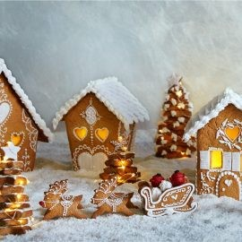 13-dec-gingerbread-house