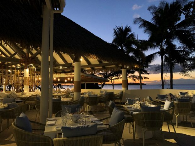 raw_beachfront_lagoon_dinner