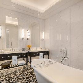 Courtyard Suite Bathroom v