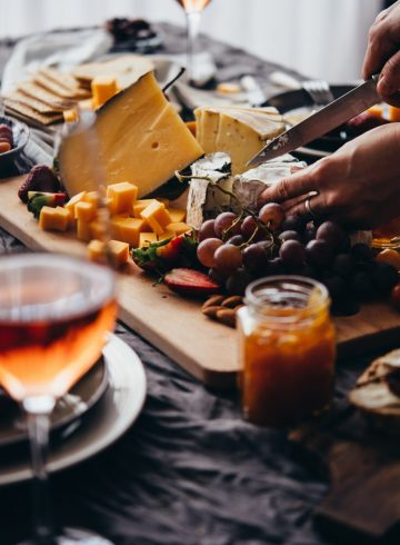 free-flow-wine-cheese-buffet-at-thb-1045
