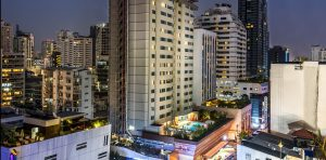 Mercure 11 - Hotel facade night 2017