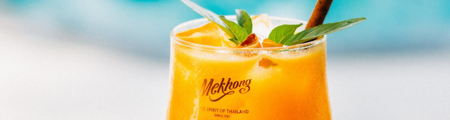 mekhong-signature-cocktails-by-the-pool