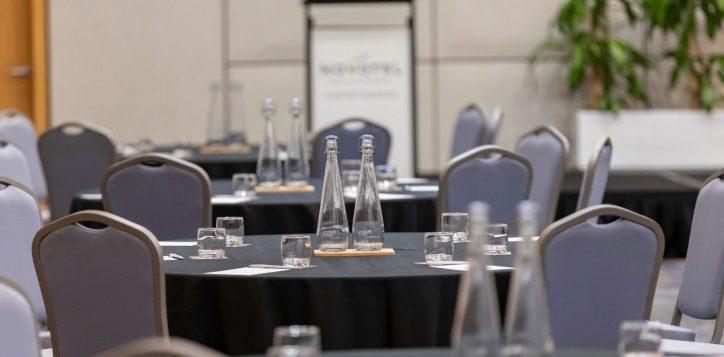 ballroom-meeting-set