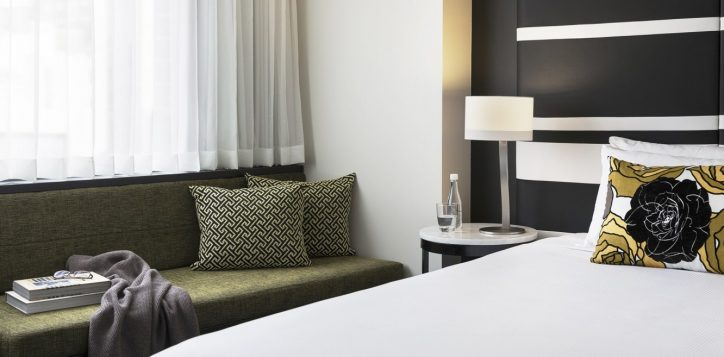 superior-room-with-2-single-beds-city-side