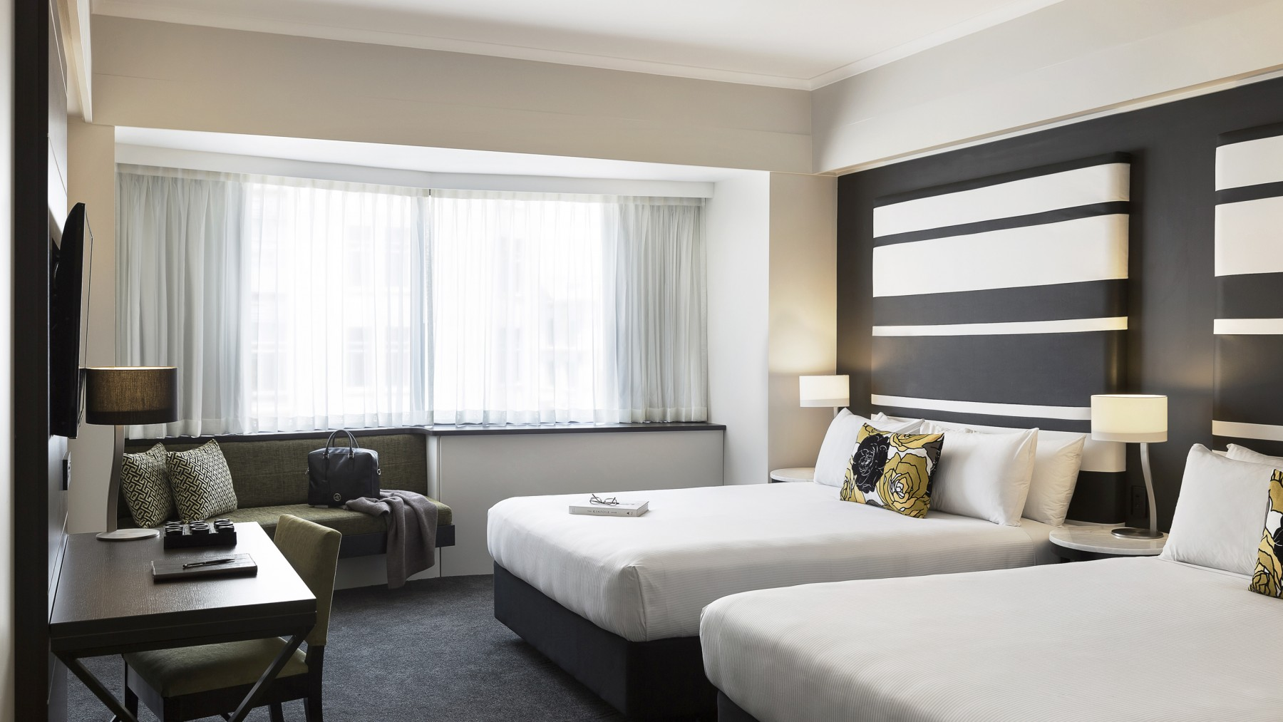 Picture of: Grand Mercure Auckland Superior Room With 2 Queen Beds