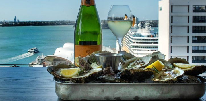 veuve-clicquot-bluff-oysters