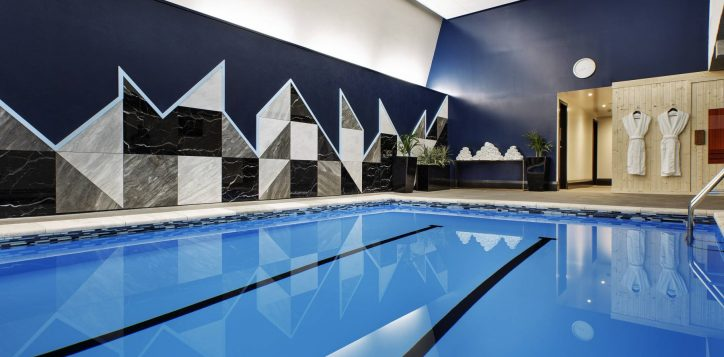 4-pool-angle