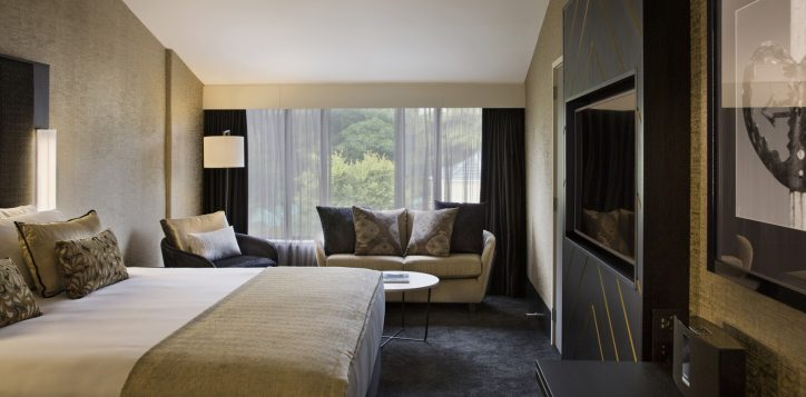 grand-mercure-wellington-deluxe-king