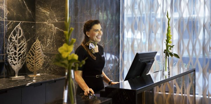 grand-mercure-wellington-reception1