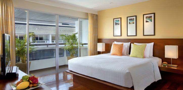 10-one-bedroom-suite-bed-room1