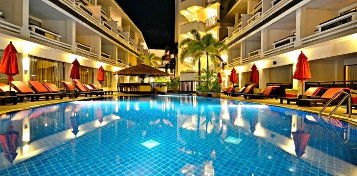 swimming-pool-3rd-flr-021