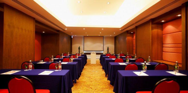05-meeting-room