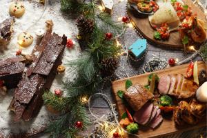 christmas-dinner-buffet-at-the-cafe-restaurant