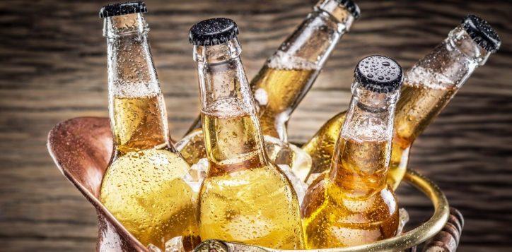 beer-ice-drink-bottle-pivo-butylka-kapli-led-napitok-1