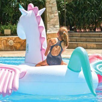 kids-enjoy-free-holiday