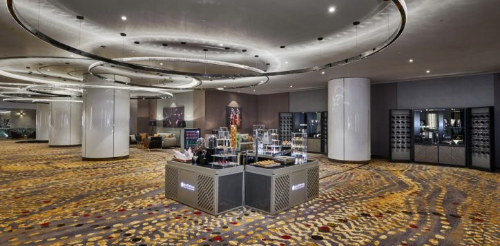 ballroom-foyer-2