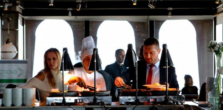 four-man-cooking-1121482