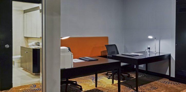 pklcc_day-office_office-desk-from-door