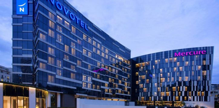 novotelmercurestevens-nightfacade1