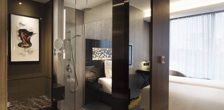 novotelstevens-superior-king-bathroom