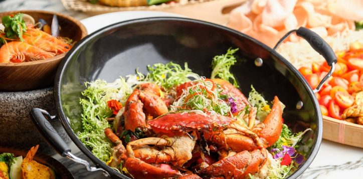 novotelstevens-food-exchange-white-pepper-crab