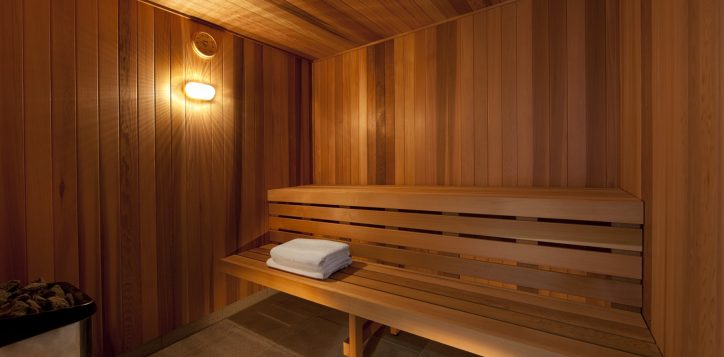 pullman-adelaide-hotel-fitness-and-well-being-pool-spa-and-sauna-image-2