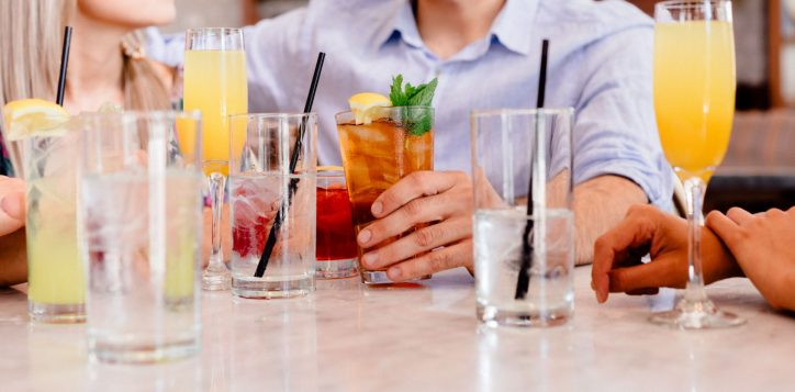 pullman-adelaide-hotel-exclusive-offers-salt-bar-and-lounge-happy-hour-image
