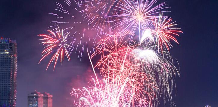 accorhotels-danang-firework-5