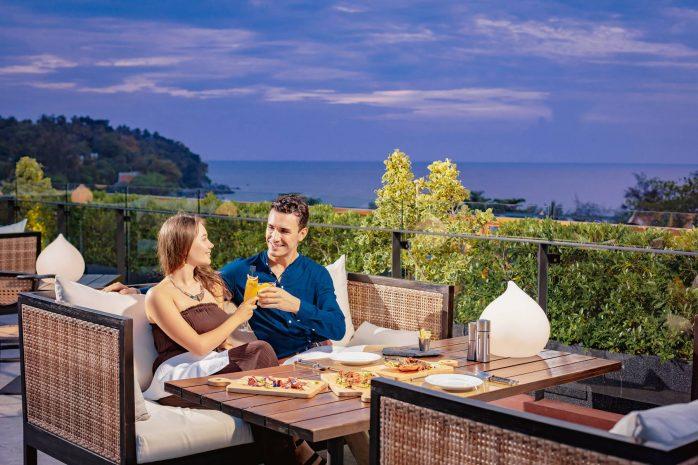 love-on-top-romantic-dinner