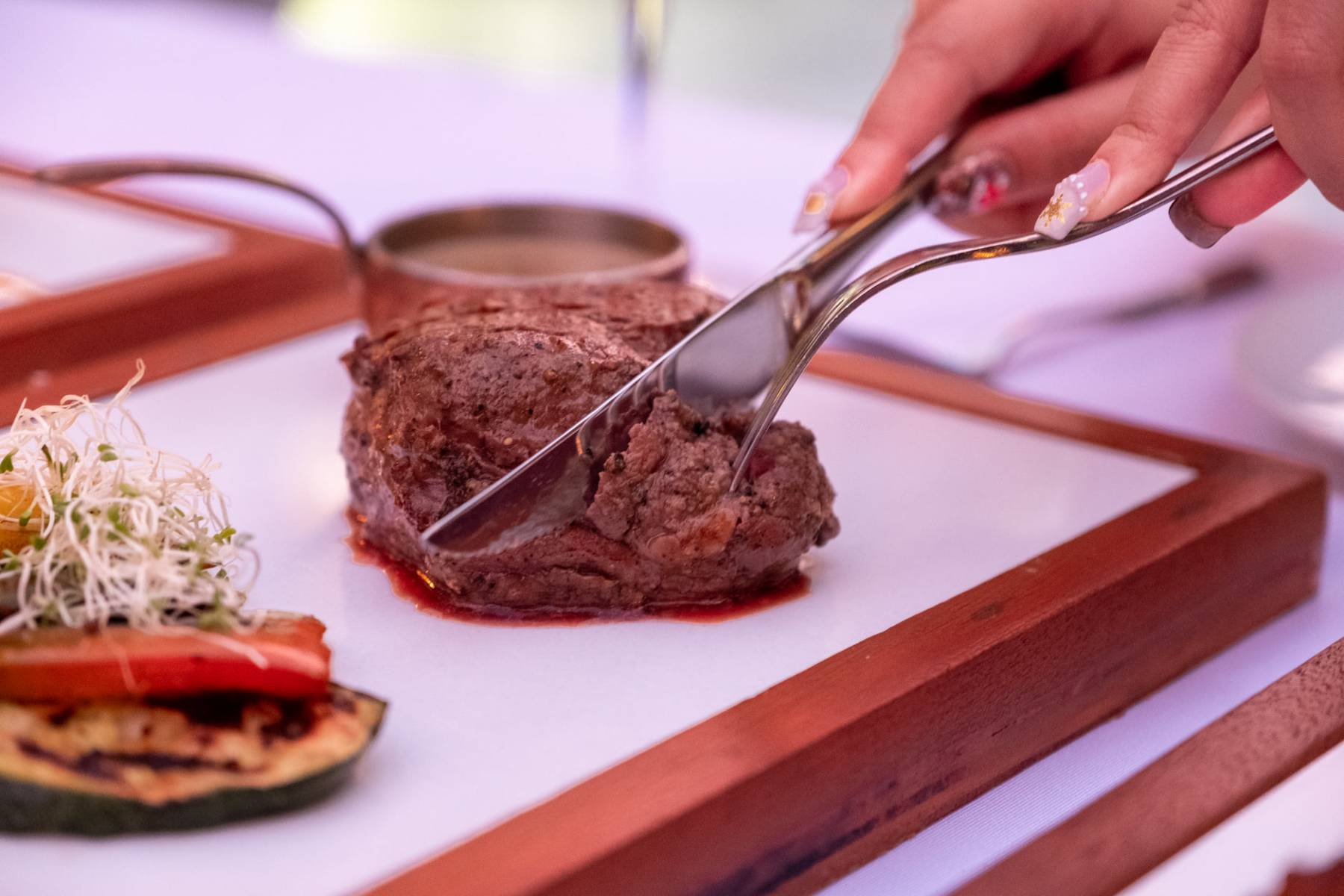 Sizzle on water steaks