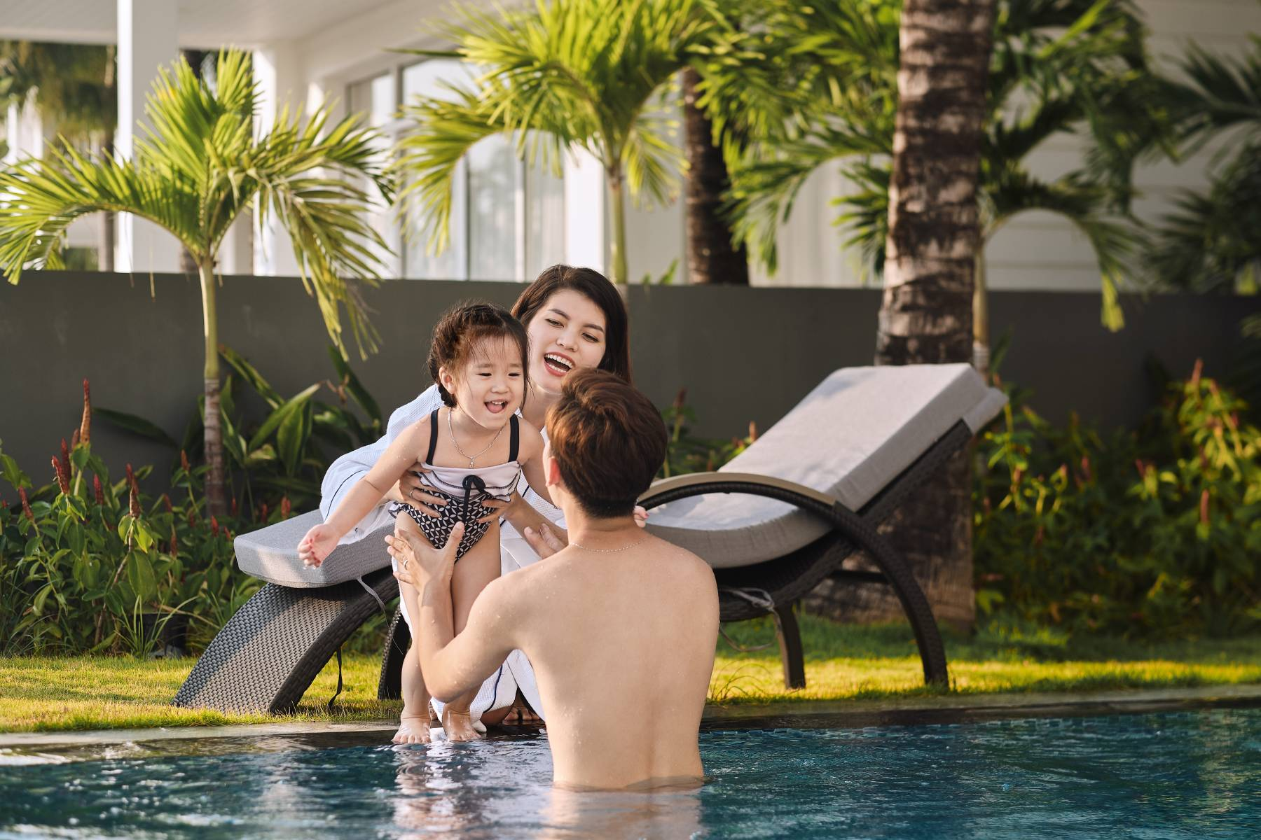 holiday-package-stay-3-pay-2