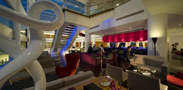 restaurants-bars