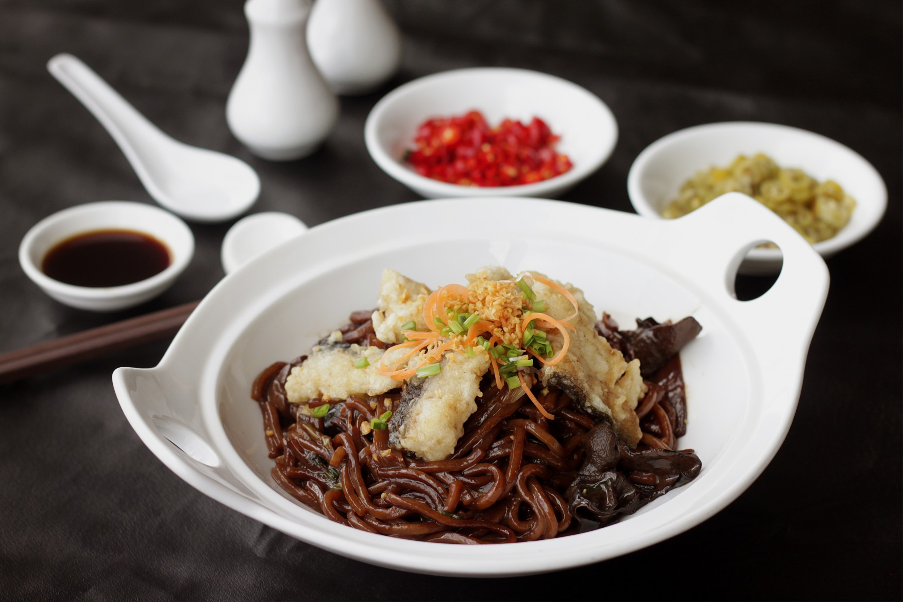 braised yellow noodles with fresh water fish