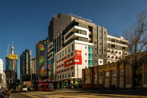 Airport Transfers with Skybus drops off at hotel in Melbourne - ibis Swanston Street